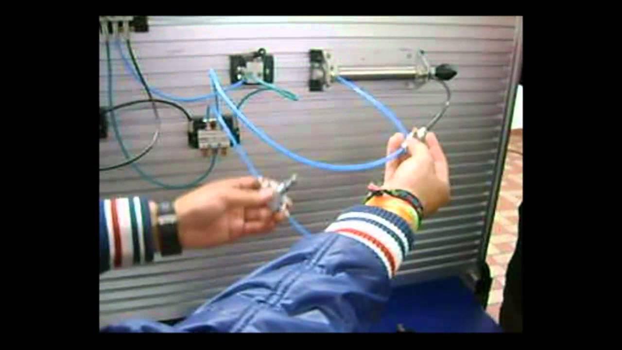 Circuito Neumatico Simple : Practica de circuitos neumáticos con cilindro de doble efecto