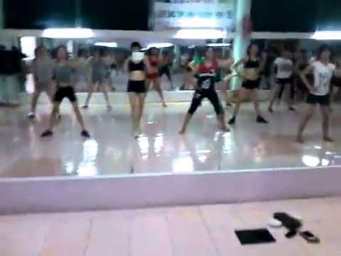 Phòng tập Aerobic Dance toàn gái xinh
