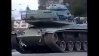 【衝撃動画】警察 vs 戦車