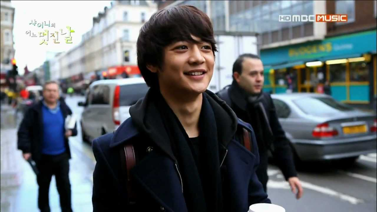 Download SHINee`s one fine day #2 - Minho arrived in London