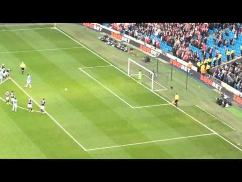 Yaya Toure penalty, Manchester City vs Southampton