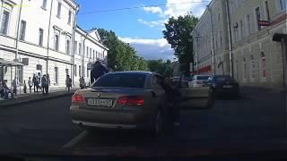 Верблюд на дороге города Пушкин