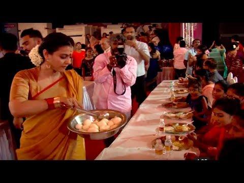 Kajol serves bhog at Durga Puja Pandal  Video
