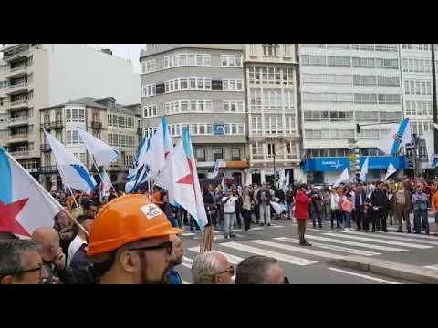 """Un millar de personas sale a la calle para exigir al Gobierno un precio eléctrico """"competitivo"""""""