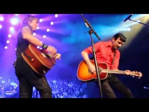 Keith Urban & Paul Dempsey Never Tear Us Apart INXS Melbourne June 26th 2014 Mp3