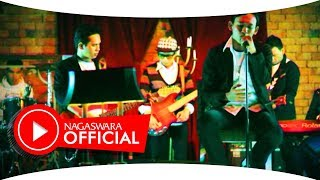 Dadali - Di Saat Aku Mencintaimu (Official Music Video NAGASWARA) #music