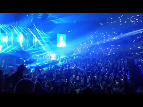 Céline Dion - Think Twice (Live, June...