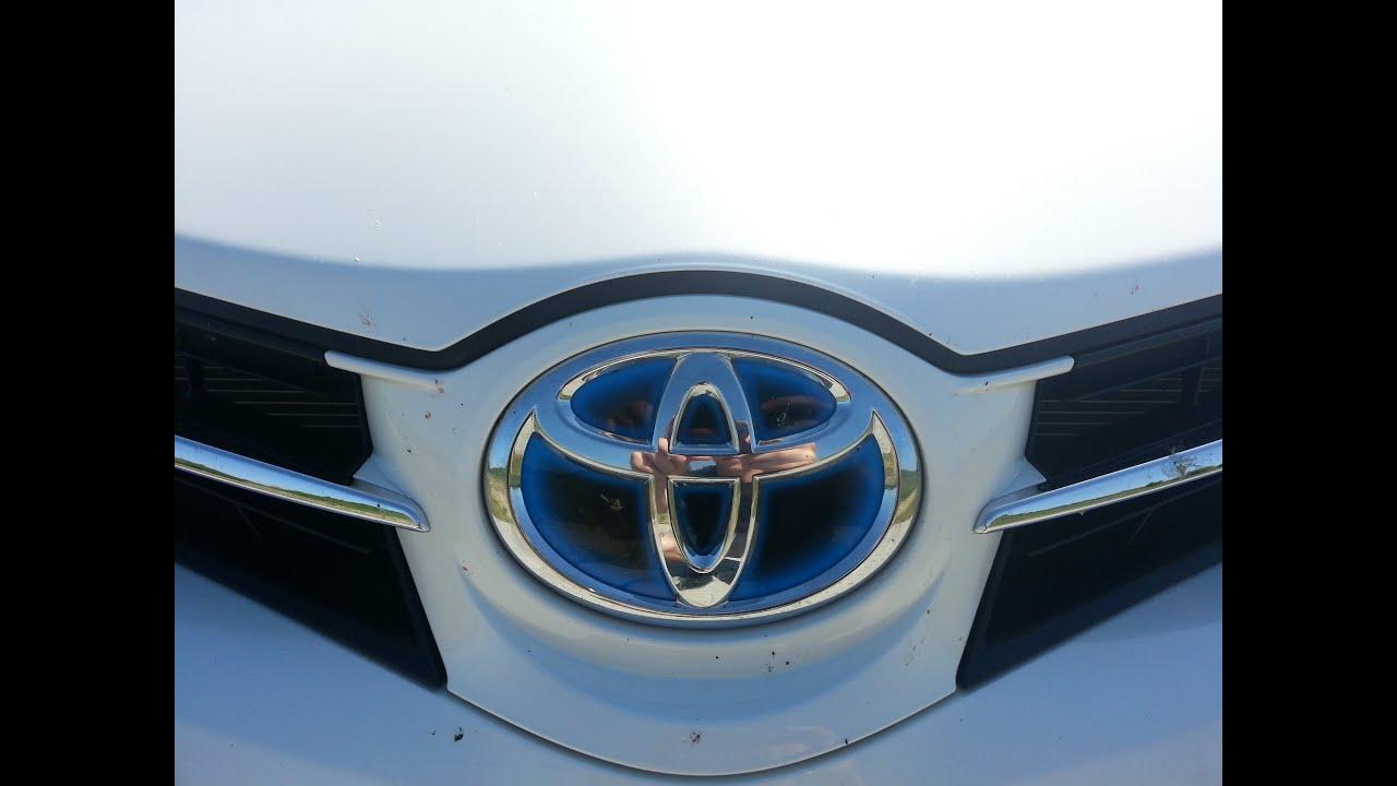 toyota auris hybrid 2012 review