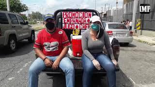 Familia barquisimetana recorre y vende desayunos en kilométricas colas por gasolina