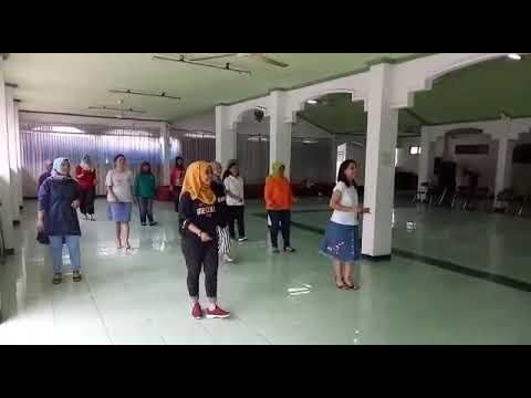 Turn It On Line Dance - Demo by Yasmine