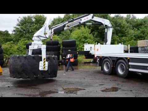 The UHL2735 Earthmover Tyre Handler In Action