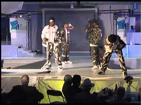 P-Square - E No Good (Stage Performance)