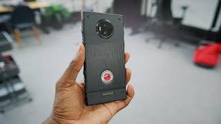 فيديو لعملية فتح علبة الهاتف RED Hydrogen One يعطينا فكرة عما يمكننا توقعه - إلكتروني