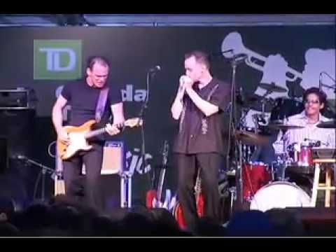 Carlos del Junco opening for Dr. John at The 2005 Toronto Jazz Festival