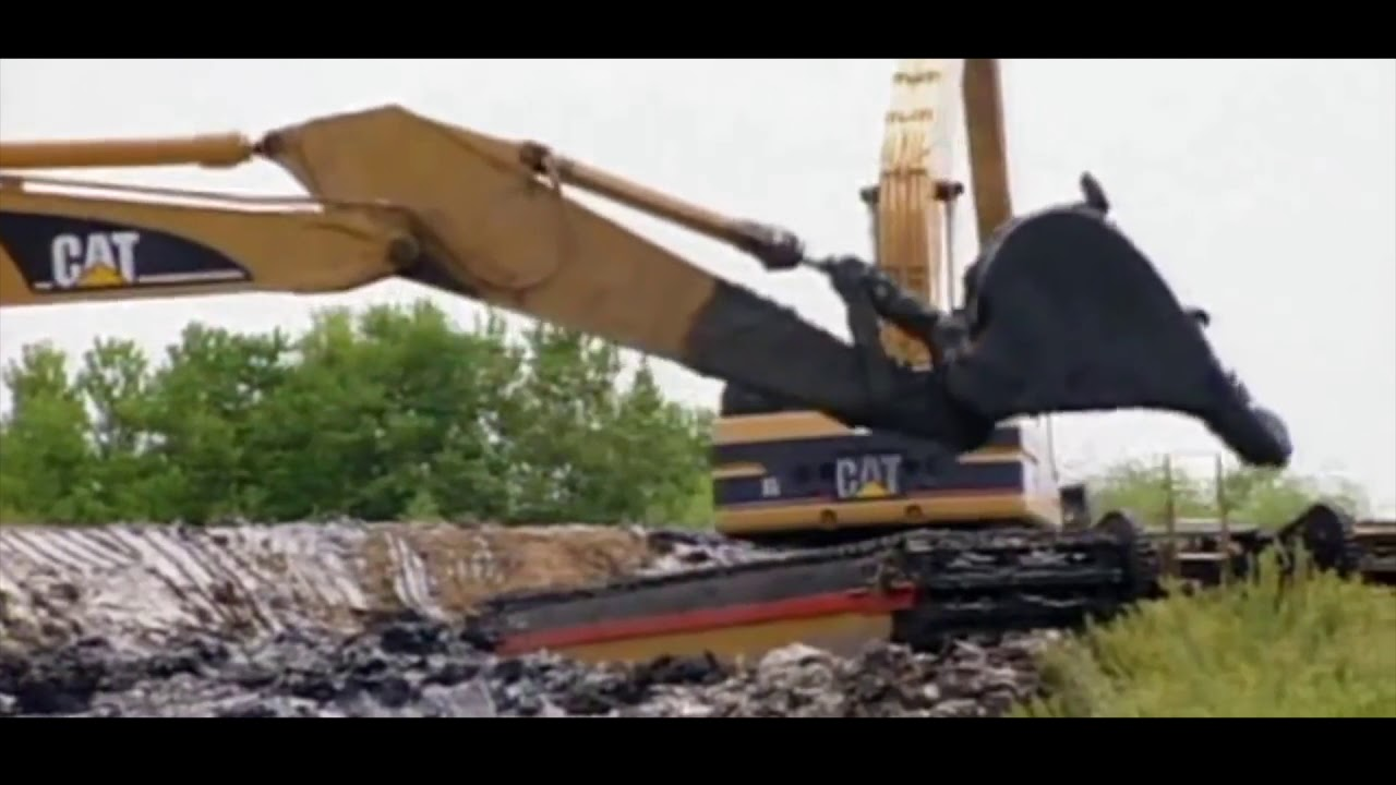 Cool Amphibious Excavators in Action - ConEquip Parts