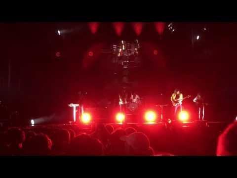 Phoenix: Girlfriend (LIVE 2017)