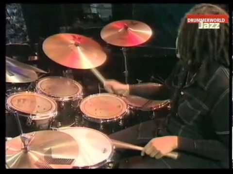 Dianne Reeves - Love For Sale - Extended Drumsolo (Terri Lyne Carrington)