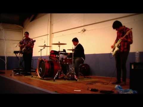 Loosen Up - Ari & The Skeletones