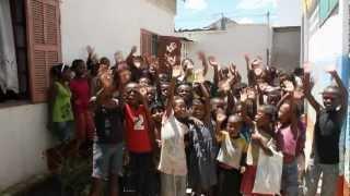 Video Cantine Social Tanambao. Tuléar Madagascar. ONG Bel Avenir. Eau de Coco. download MP3, 3GP, MP4, WEBM, AVI, FLV Oktober 2018
