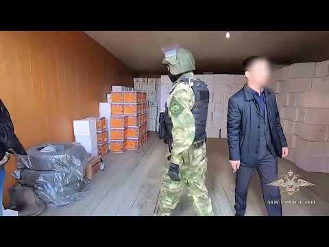 Более семи тысяч ящиков поддельного алкоголя изъяли из торговой сети полицейские Якутска