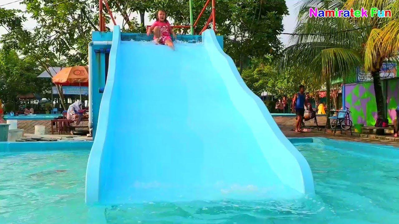 3 Wahana Terbaik Bermain Air & Perosotan di Kolam Renang Water Slides Water Park