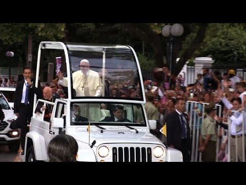 Pédophilie: le pape en mission délicate au Chili