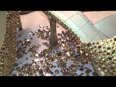 Decorando zapatos con piedras preciosas de resin (DIY rhinestone shoes)