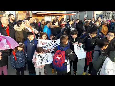 Padres y alumnos del Virxe do Carme protestan por el mal estado del centro