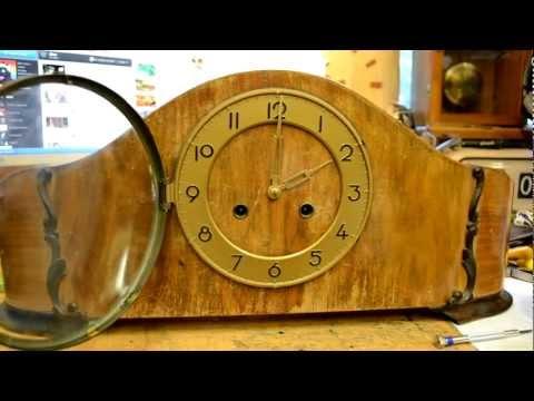 Wide pendulum mantel clock