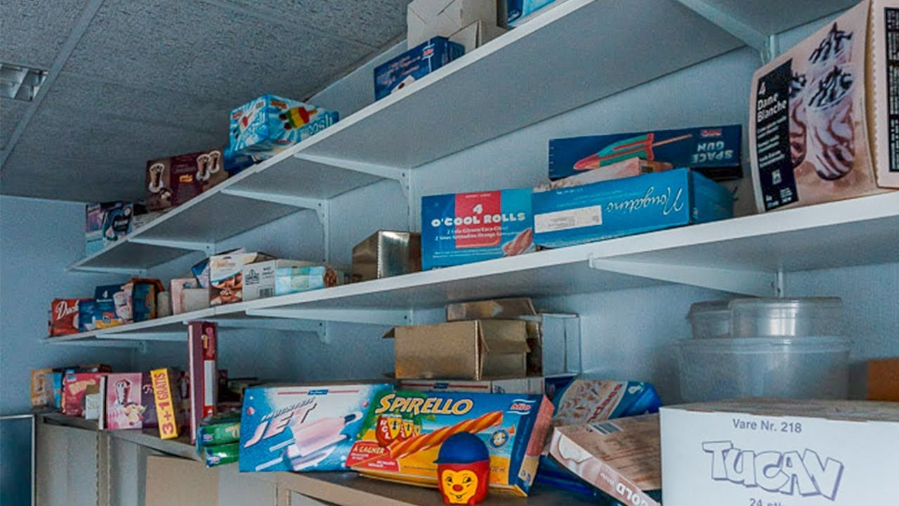 Abandoned Millionaires Ice Cream Factory FOUND Room Filled With Ice Cream Boxes