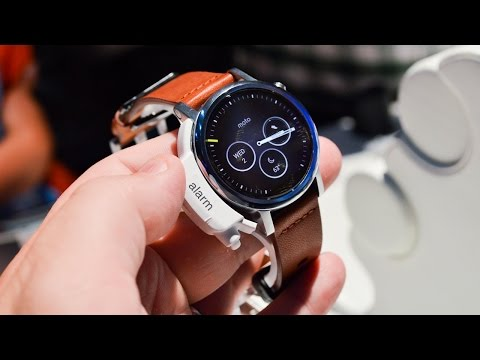 Check out the New Moto 360! (IFA 2015)