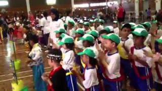 Chicken Dance-q-dees Amanputra, Puchong