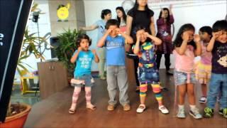 Bum Bum bole... masti mein dole... dance
