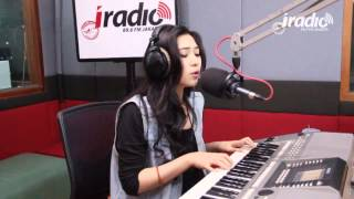 Keep Being You - Isyana Sarasvati di Indokustik Masih Sore Sore