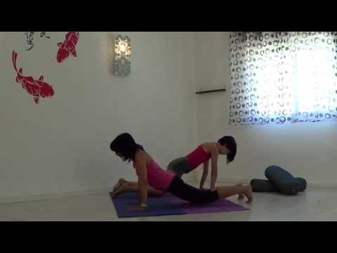 йога в паре видео