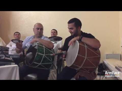 Барабанщик Геннадий Нерсесян и Ваган Оганнисян