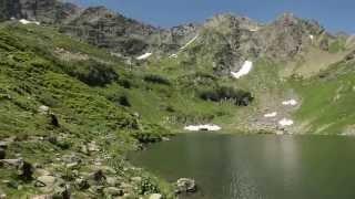 видео Высокогорное Озеро Мзы в Абхазии