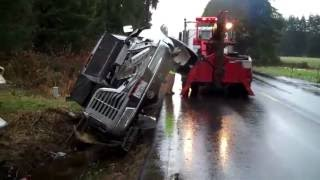 35 Foot Fifth Wheel Rollover Recovered by Hill Auto Body & Towing