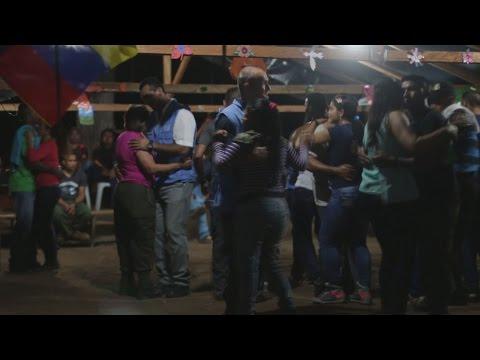 Guerrilleros del frente 59 de las FARC celebran su primer Año Nuevo en paz