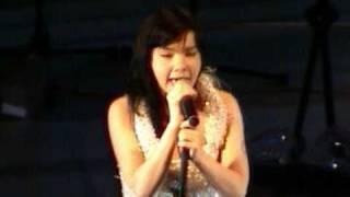 Björk - Vespertine Tour Live In Italy 2001 - Parma Teatro Regio -
