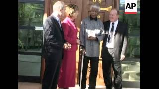 President McAleese meets Nelson Mandela on African tour