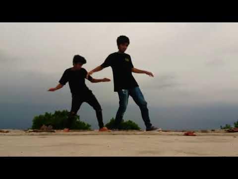 Baarish | Half Girlfriend | Twins Brothers | Choreography  | Monsoon Special | 1 Minute Dance Cover|