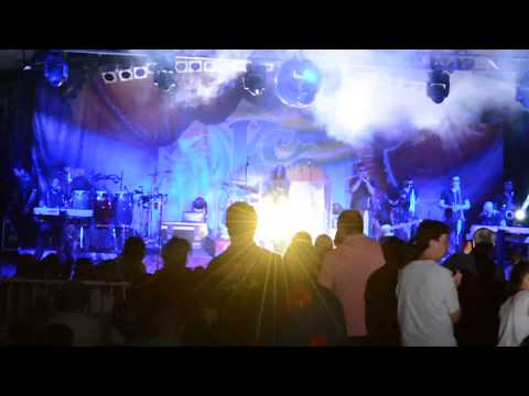 KC and the Sunshine Band - Funk Jam and Drum Solo - 8/23/2014