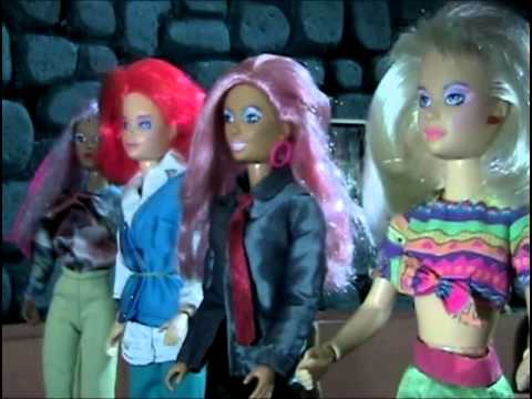 Jem and the Holograms Halloween Movie! Creepy dolls