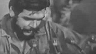 فيديو لجيفارا و هو يلقي شعرا