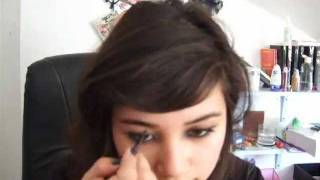 How To: Pluck & Define Your Eyebrows Thumbnail