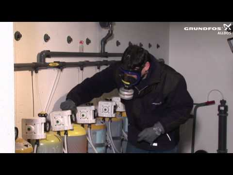 Changing Chlorine Gas Cylinder