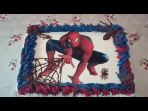 Decoração do  bolo do homem aranha com bico 1M da Wilton e 4B da Wilton.