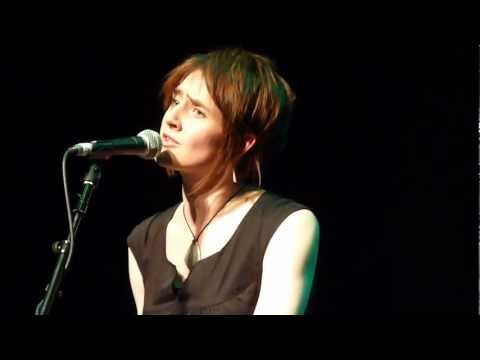 Karine Polwart - Cover Your Eyes (Celtic Connections, 2012)