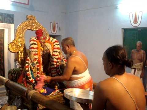 Kanchi Sri Perarulalan Honoring to Sri Desikan - Vanabojanam Uhtsavam on 31.1.2014